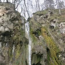 Hiking to Slivodolsko Padalo Waterfall